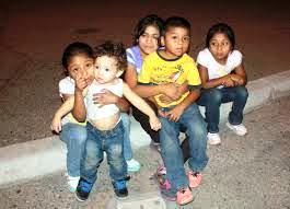 childrencrossingborder